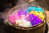 пять цветных риса в бамбука пароход — Стоковое фото