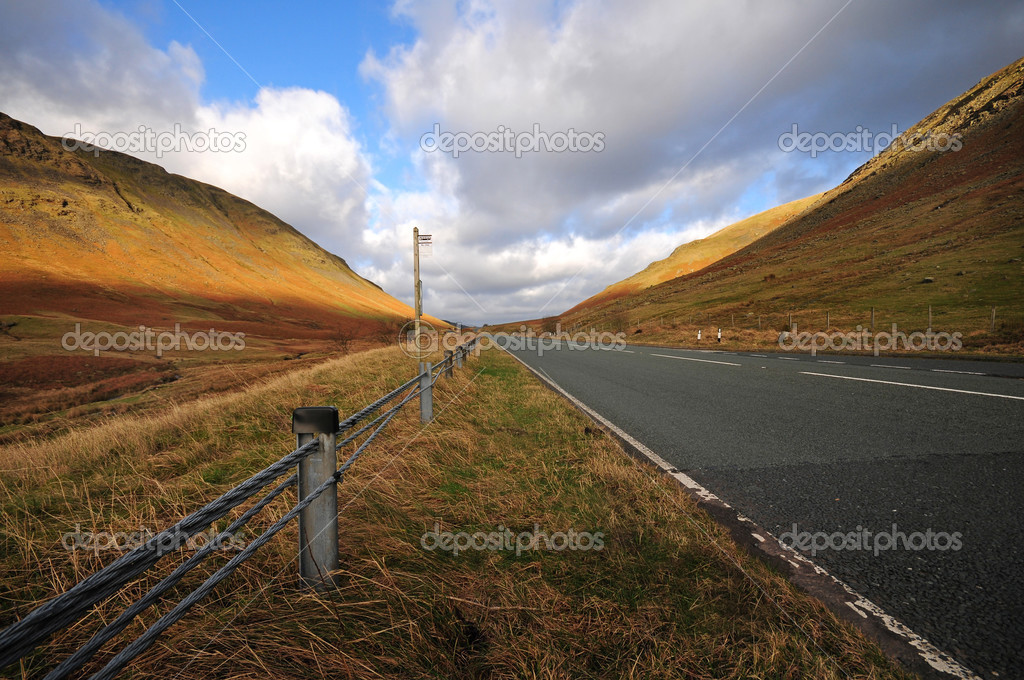 Road in the Lake District (Cumbria), England — Stock Photo #3175582