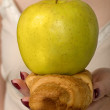 Dilemma - Apple Or Croissant — Stock Photo