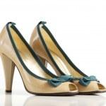 High heel shoe — Stock Photo