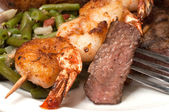 Sirloin Steak and Shrimp Closeup — Zdjęcie stockowe