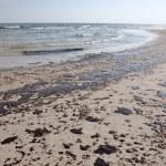 Oil Spill on Beach — Stock Photo #3384869