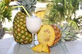 Pina colada com abacaxi — Fotografia Stock