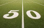 Linea 50 yard campo di football americano — Foto Stock