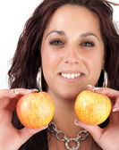 A woman is holding two apples — Stock Photo