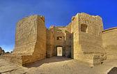Zewnętrzne wejście do świątyni medinat — Zdjęcie stockowe