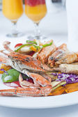Seafood meal of crab and shrimp — Stock Photo
