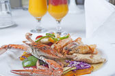 Seafood meal of crab and shrimp — Photo