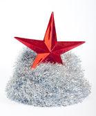 Tinsel argento e stelle di Natale in bianco — Foto Stock