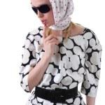 Mädchen in einen Schal — Stockfoto
