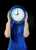 Muž drží hodin — Stock fotografie