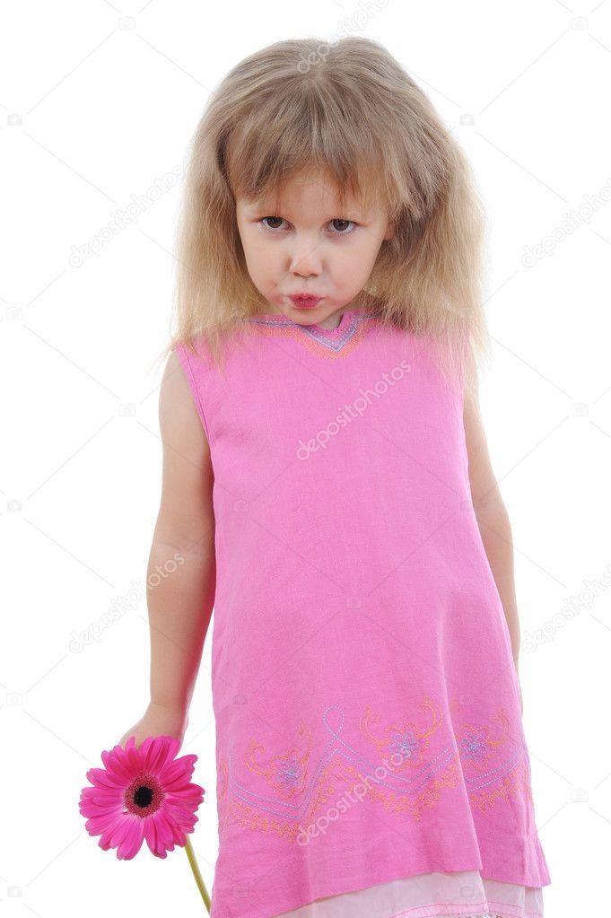 穿着粉色衣服的女孩