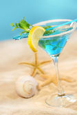 Blue tropical summer drink — 图库照片