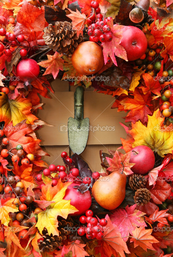 Festive autumn wreath on rustic door — Stock Photo #3286467