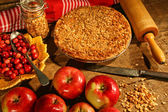 Crumble pie with apples and cranberries — Stok fotoğraf