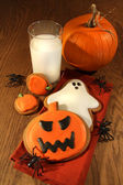 Halloween cookies with milk — Stok fotoğraf