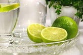 Limes and sparkling water — Foto de Stock
