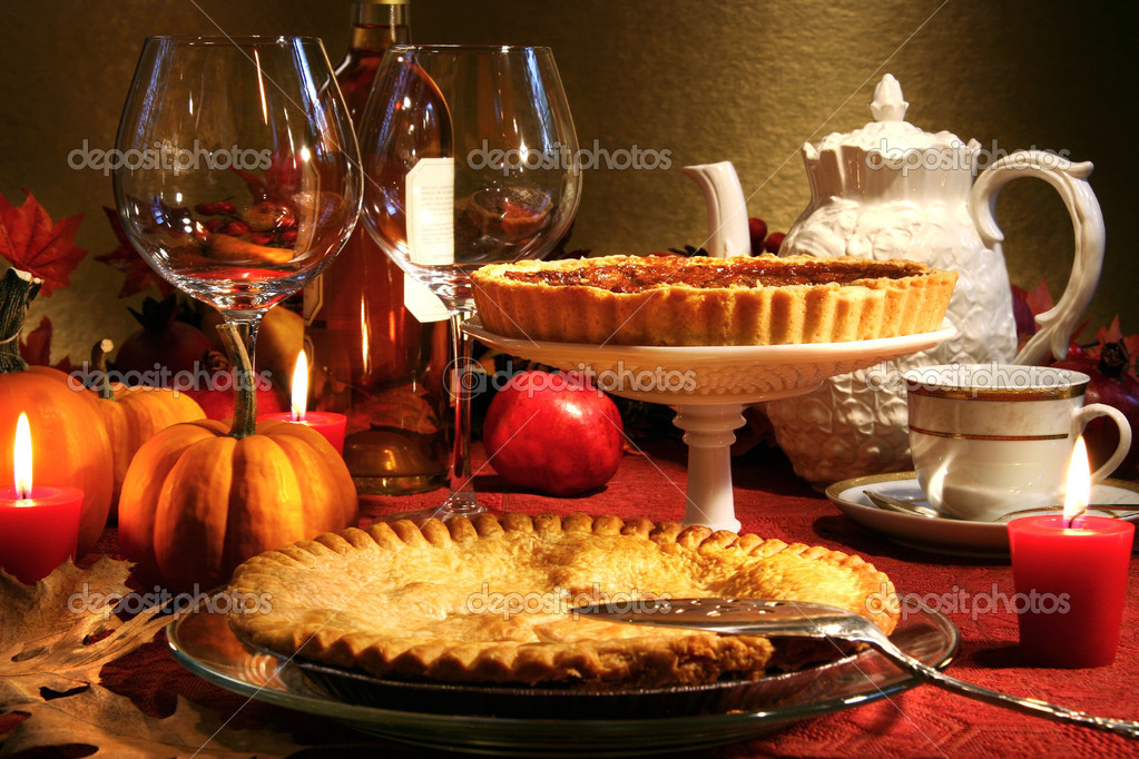 Thanksgiving desserts on a festive table — Stock Photo #3300131