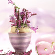 Easter decorations with flowers — Stock Photo