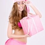 glad santa helper flicka med presentask — Stockfoto