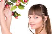 苹果树枝的可爱女人 — 图库照片
