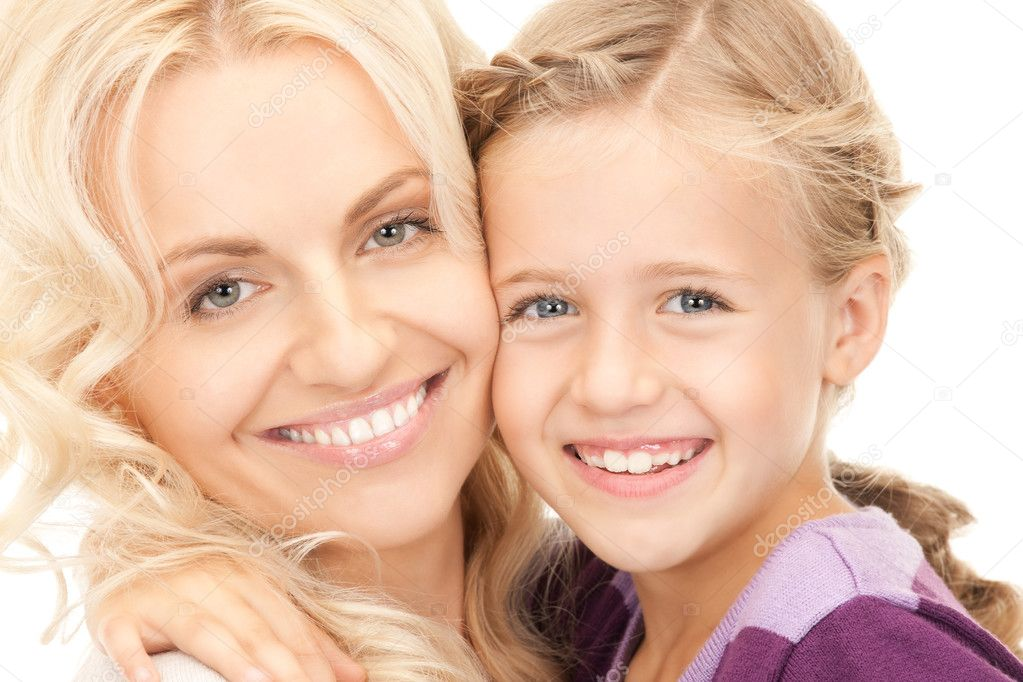 Bright picture of happy mother and child — Stock Photo #4022985