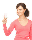 省エネ電球を保持している女性 — ストック写真