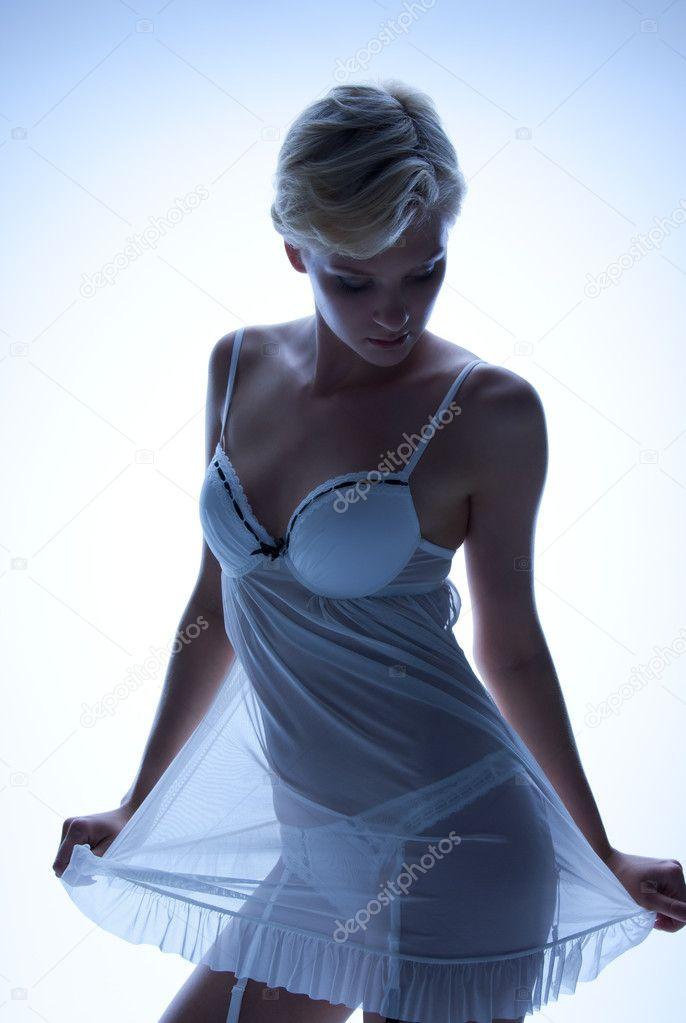 http://fashion-fashion123.blogspot.com/2012/05/lingerie-transparan.html