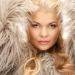 Beautiful woman in fur — ストック写真