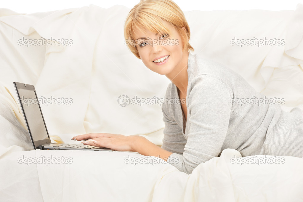 Bright picture of happy woman with laptop computer — Stock Photo #4432975