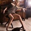 Attractive blonde and cat - Foto Stock