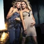 Два элегантных блондинок — Стоковое фото