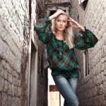 Мода стиль фото молодой женщины — Стоковое фото