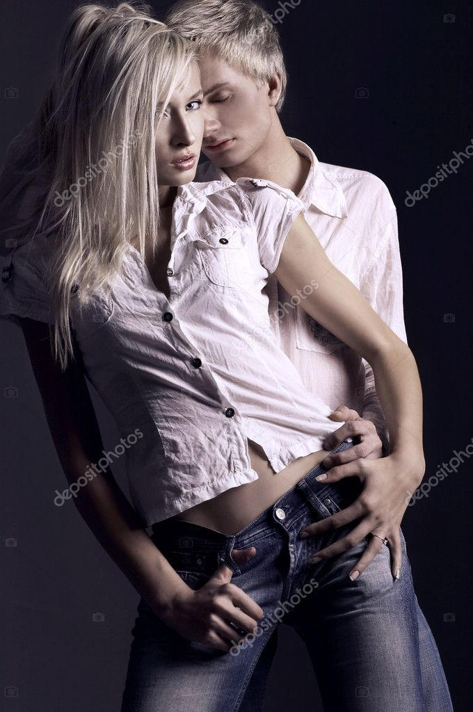 Studio photo of an handsome couple  — Stock Photo #4500764