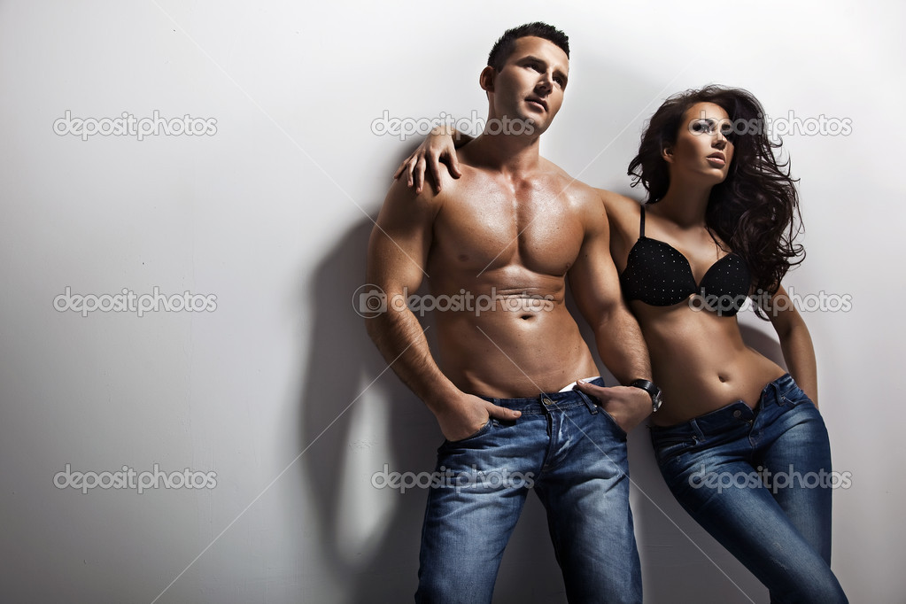 Handsome couple over white background  Stock Photo #4676673