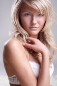 Close-up portrait of a fresh and beautiful young fashion model — Stock Photo