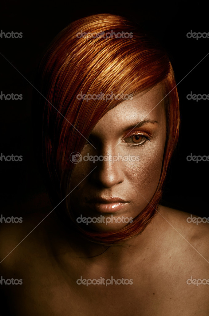 Beauutiful young woman with red hair — Stock Photo #4968044