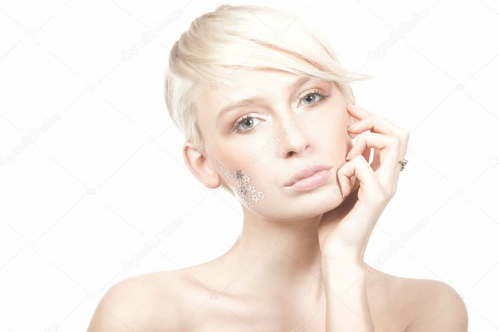 Beauty portrait of a young woman isolated on white background — Stock Photo #5002088