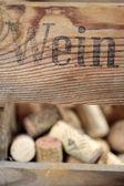 Botellero con corchos — Foto de Stock
