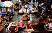 Floating markets of Damnoen Saduak — Stock Photo