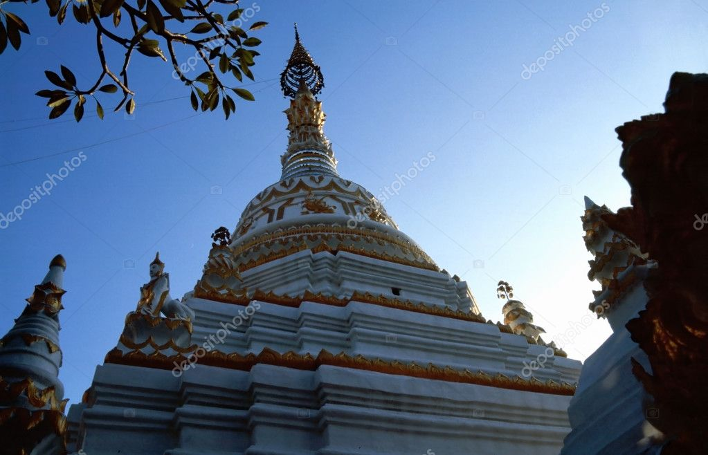 Pagoda of a Buddhistic temple in Chiang Mai, Thailand  — Stock Photo #3572168