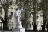 沐浴女子的雕像 — 图库照片