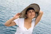 Pretty girl in the bonnet — Stock Photo
