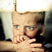 Child and window — Stock Photo