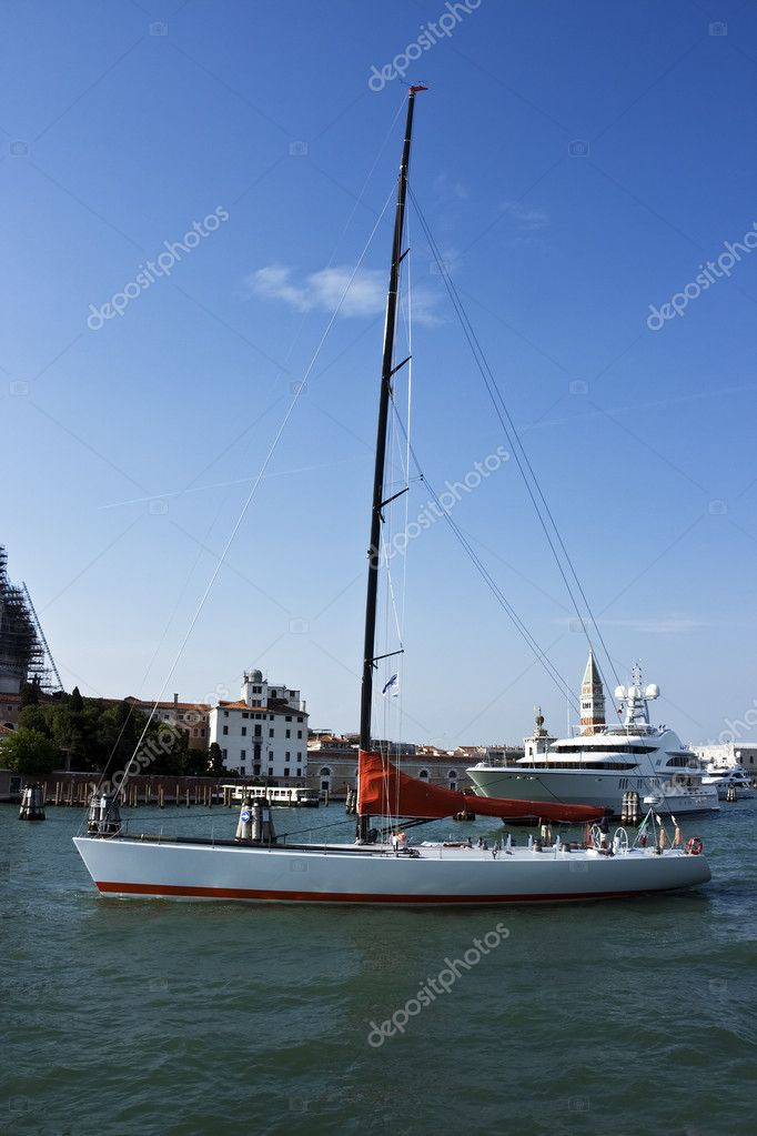 Sailing yacht in peripheral passage waters. Venice. Italy.  — Stock Photo #3399940