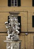 Beelden van kinderen op het wonder-veld. italië. — Stockfoto