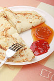 White plate with delicious pancakes — Stock Photo