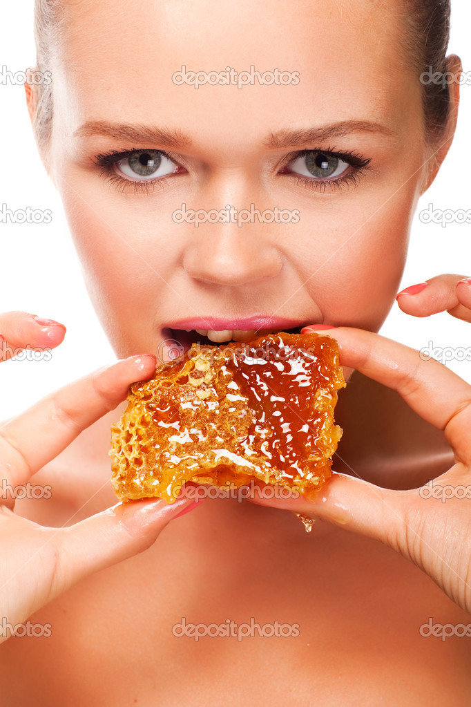 eating honey 