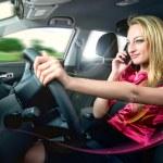 körning och talar — Stockfoto