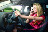Driving and talking — Stock Photo